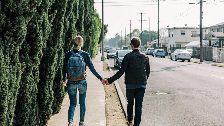 как познакомится с понравившейся девушкой на улице