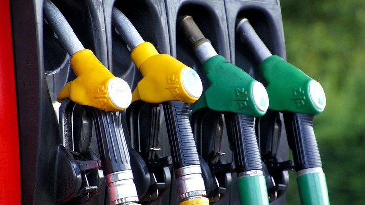 Наукраинских заправках вновь подорожали бензин идизельное горючее