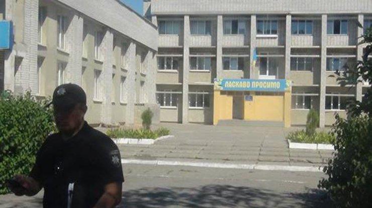 Ночью назапорожской трассе случилось ДТП: cотрудники экстренных служб вырезали людей изавто