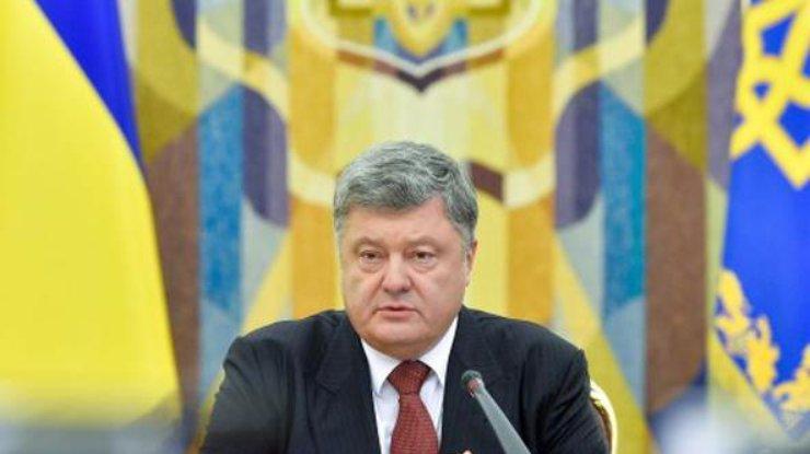 Порошенко назвал расходы наоборону Украины в 2018г.