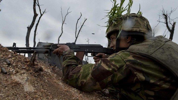 Боевики изминометов обстреляли позиции сил АТО вКаменце иПесках