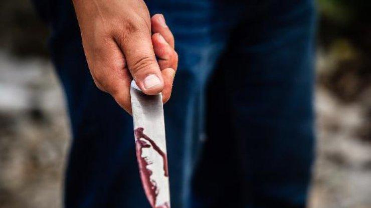 ВХарькове неизвестный зарезал бездомную иранил мужчину— милиция