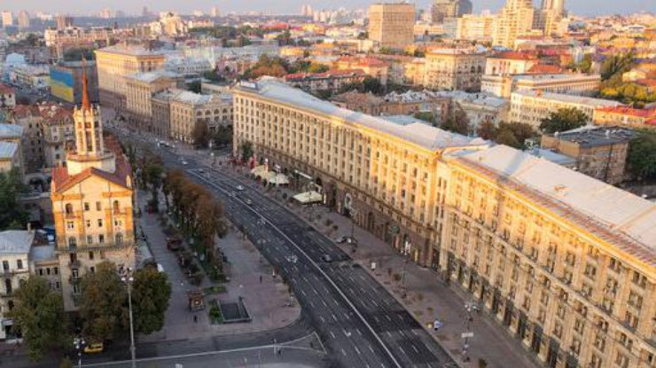 ВКиеве ограничили движение транспорта поКрещатику