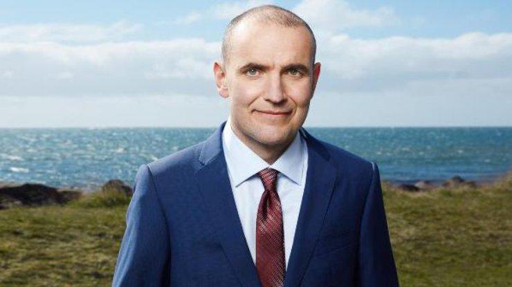 Президент Исландии одобрил досрочные выборы