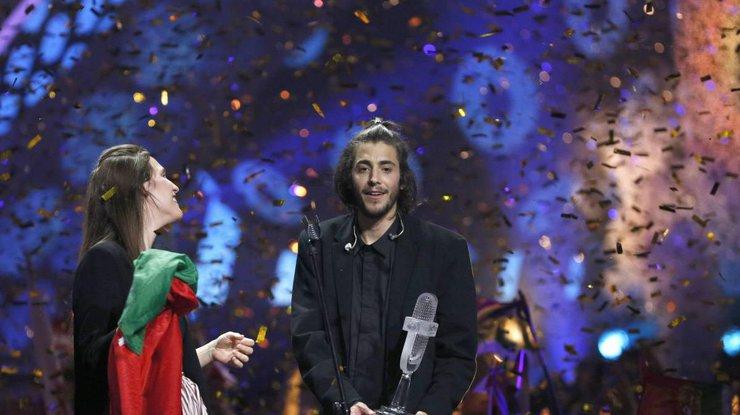 Победителя «Евровидения-2017» срочно госпитализировали для пересадки сердца