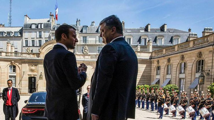 Порошенко иМакрон скоординировали позиции поразмещению миротворцев наДонбассе
