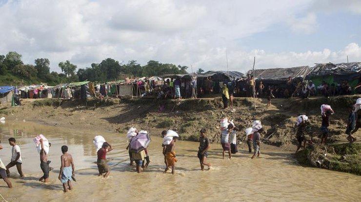 Число беженцев рохинджа вБангладеш превысило 800 тыс. человек