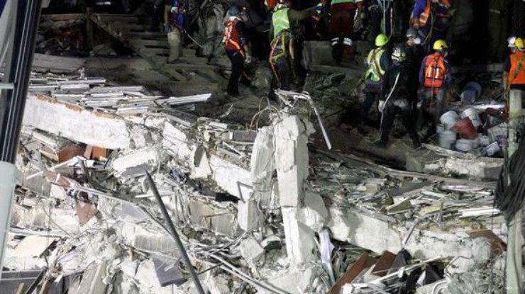 Число погибших землетрясения вМексике достигло 360 человек