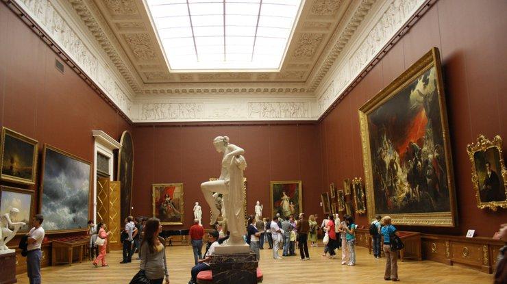 ВоФранции, накануне аукциона, украли картину Ренуара