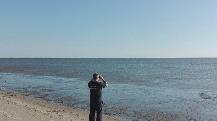 ВАзовском море третий день ищут пропавших рыбаков