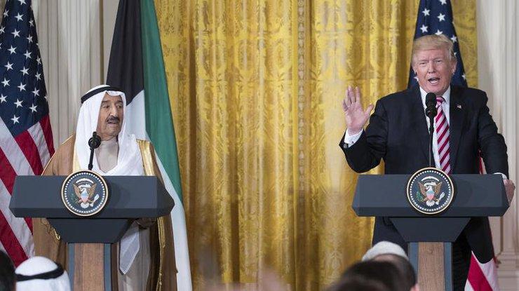 Ассанж допустил возможность смещения Трампа из-за предотвращения торговли США сКитаем
