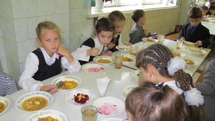 ВРовенской области вшкольной столовой случилось массовое отравление детей