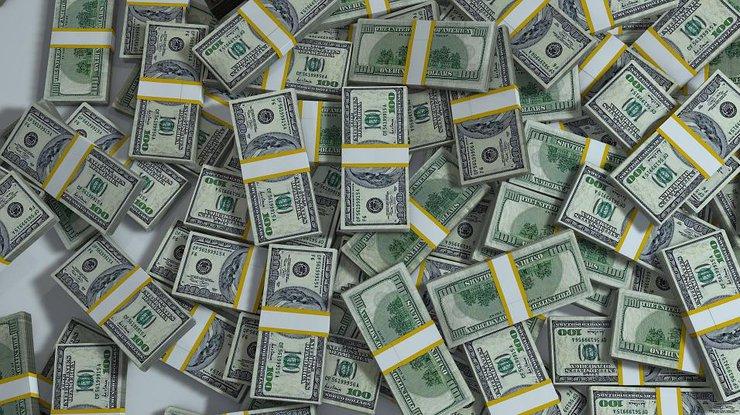 Долларовая лихорадка атакует Украинское государство, каждый день завозят посамолету кэша