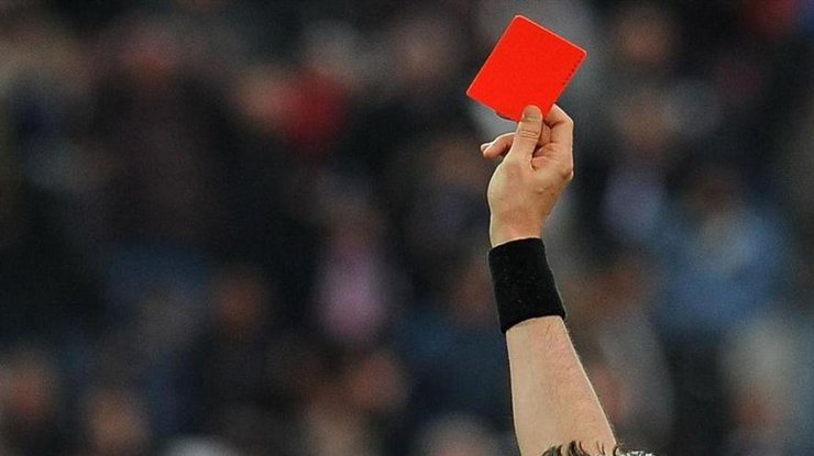 ВМексике футболист любительской команды убил судью закрасную карточку