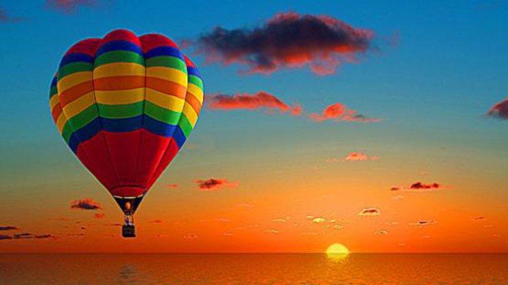 ВЛуксоре упал воздушный шар стуристами, необошлось без жертв