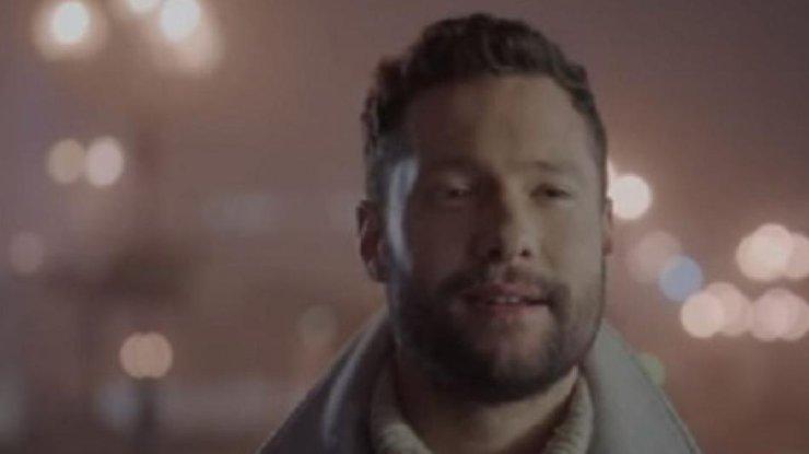 Сеть сразил клип известного английского певца, снятый вКиеве