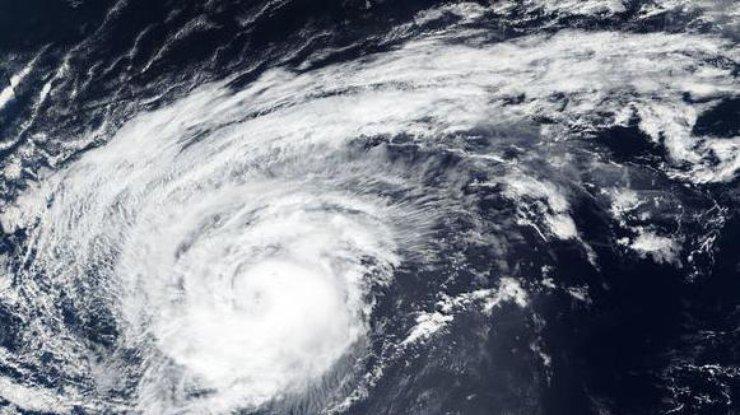 Ураган 'Лесли' достиг Португалии