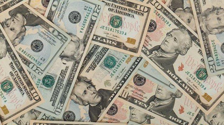 Гривна кдоллару упала вцене до27,45 грн/$