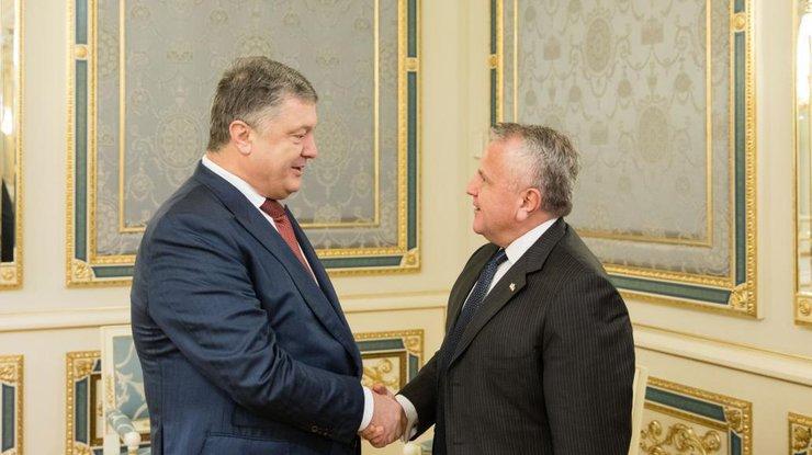 ВСовфеде прокомментировали вступление всилу закона ореинтеграции Донбасса