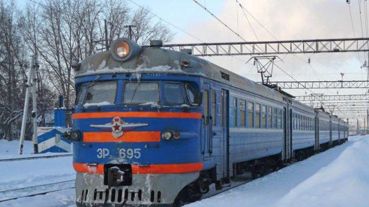 Под Киевом поезд насмерть сбил молодого человека