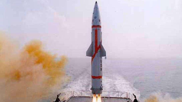 Индия удачно проверила ракету «Дхануш»
