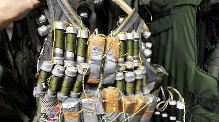 ВПакистане талиб-смертник подорвал себя увоенной базы, погибли 11 военных