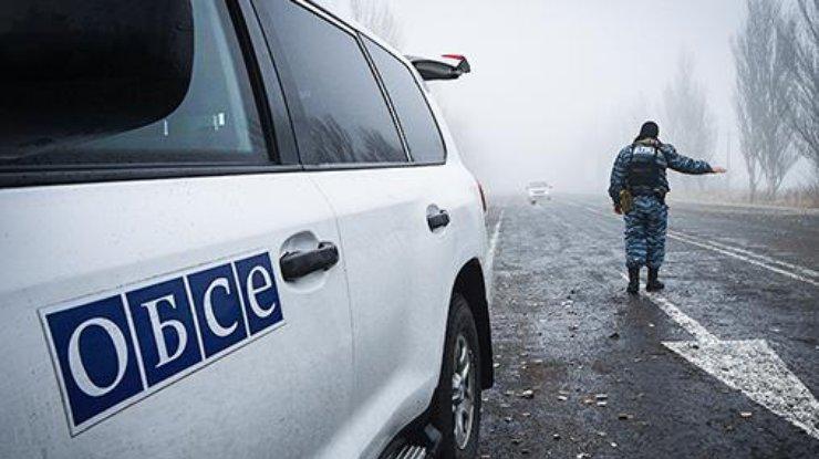 Воккупированном Донецке мужчина подорвал гранатой маршрутку слюдьми