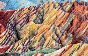 Цветные скалы Чжанъе Данксиа, Китай. Фото flickr.com/Eric Pheterson.