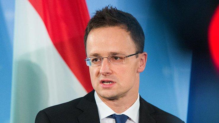 Руководитель МИД Венгрии раскритиковал планы Украины передислоцировать батальон свостока наЗакарпатье