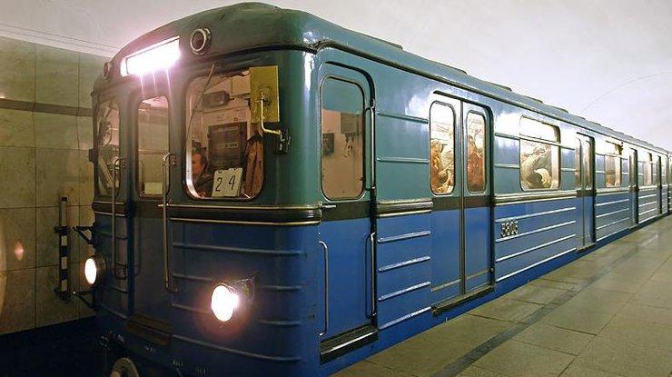 Вкиевском метро задержали мужчину совзрывчаткой