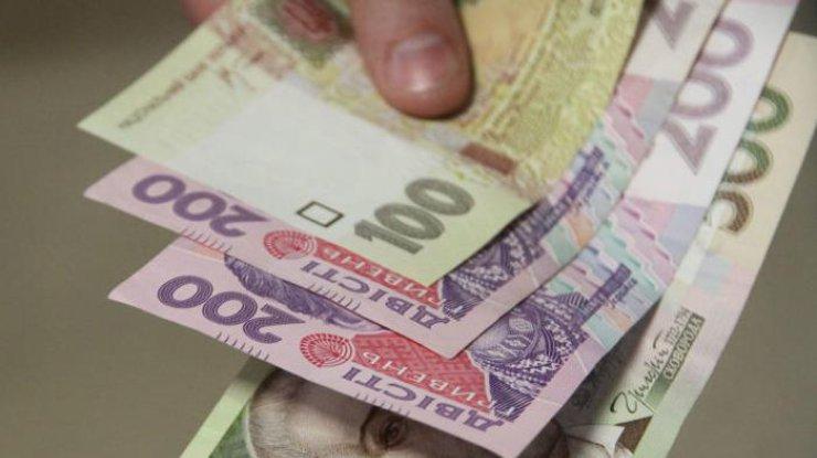 Данные Госстатистики: заработной платы украинцев увеличились, азадолженность уменьшилась