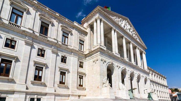Португалия отзывает посла в РФ для консультаций