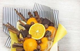 Букет из фруктов и сладостей / Фото: pinterest