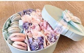 Сладости с цветами / Фото: pinterest