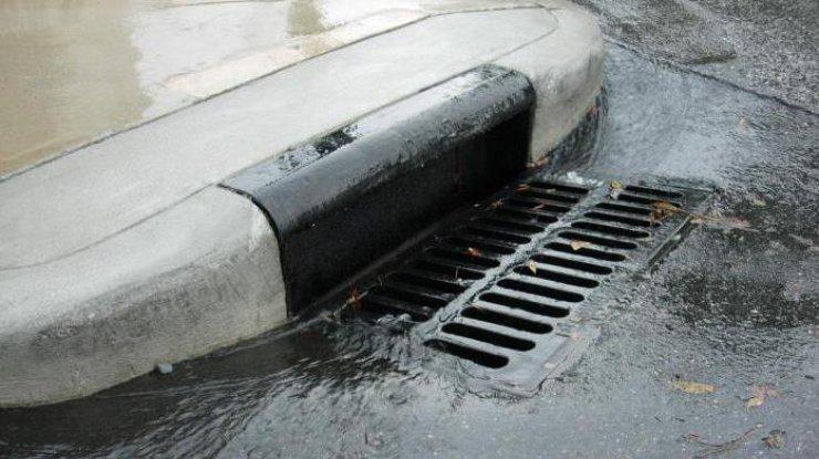 Центр столицы Украины остался без воды из-за аварии надороге наводопроводе