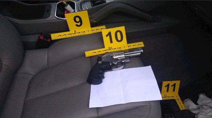 Двое автомобилистов устроили стрельбу вКиеве