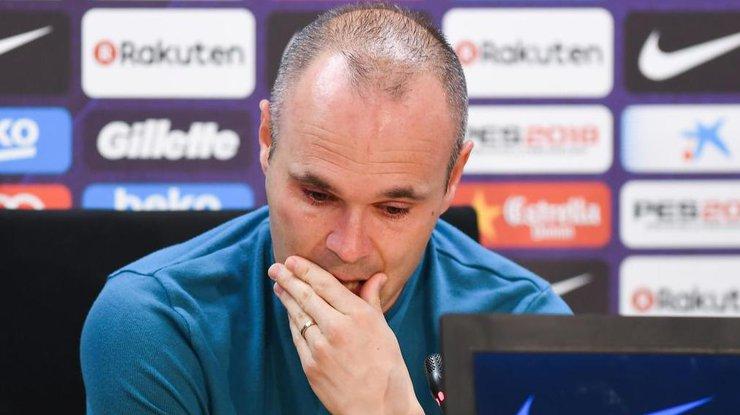 Иньеста после 16 лет в«Барселоне» решил покинуть клуб