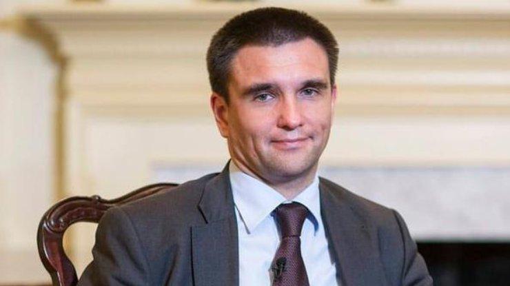 Порошенко поручил МИД иМинтрансу посодействовать украинцам вЕгипте
