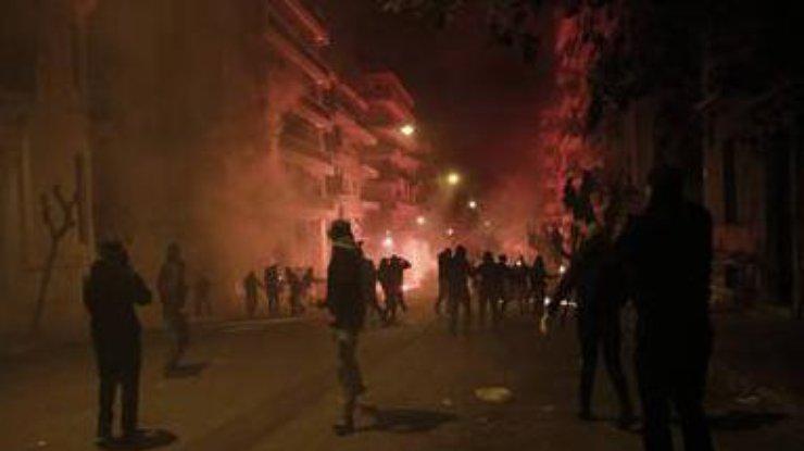ВАфинах произошли столкновения между футбольными фанатами иполицией