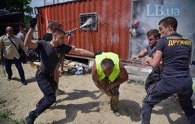 На Осокорках произошла кровавая драка на стройке. Фото: Макс Требухов / lb.ua