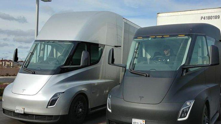 Иск на $2 млрд: компанию Tesla обвинили вплагиате