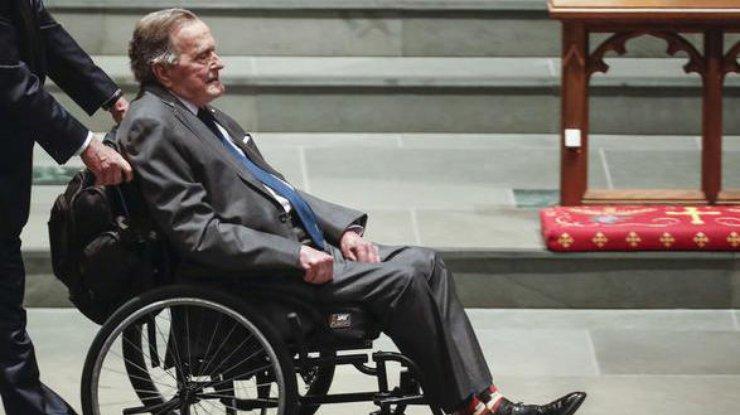 Экс-президент США Джордж Буш-старший вновь попал в клинику