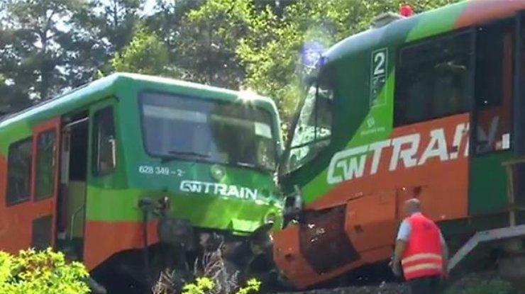 Два пассажирских поезда столкнулись вЧехии