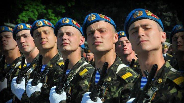 Вовремя боевой подготовки вЖитомирской области скончался десантник
