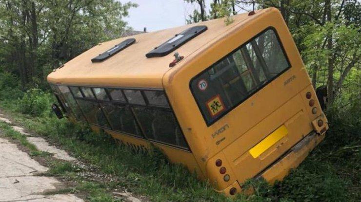 Автобус сдетьми попал вДТП вОдесской области