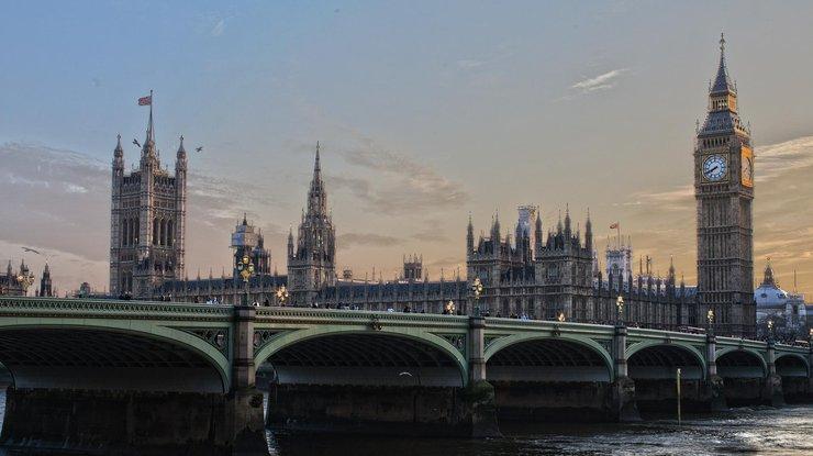 Тереза Мэй вынуждена была пойти на уступки противникам Brexit