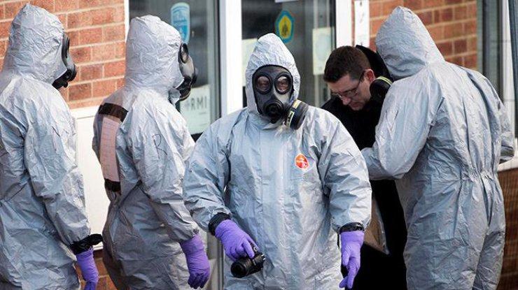 Британская милиция  обыскивает туалеты Солсбери впоисках следов «Новичка»