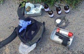 """У задержанного были, пистолет, граната и наркореактивы. Фото: """"Факты"""""""
