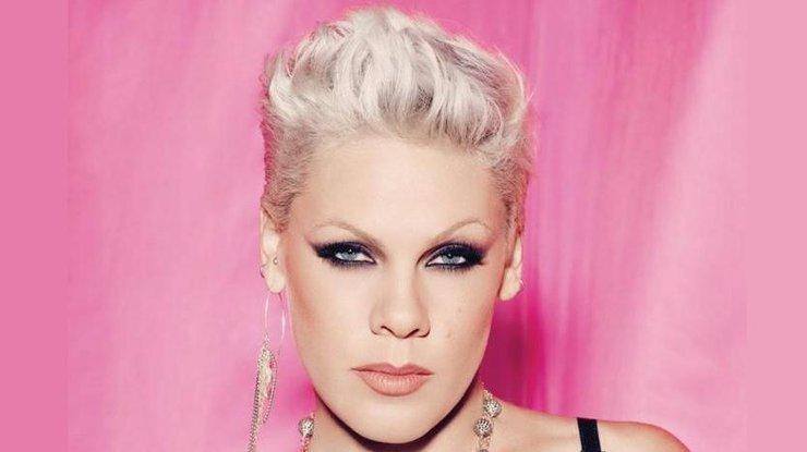 Эстрадная певица Pink срочно доставлена вбольницу вовремя гастролей