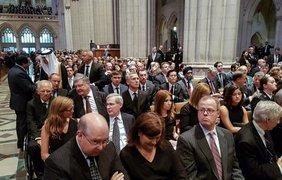 Петр Порошенко принял участие в церемонии прощания. Фото: president.gov.ua